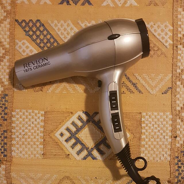 Revlon 1875 Ceramic Hairdryer