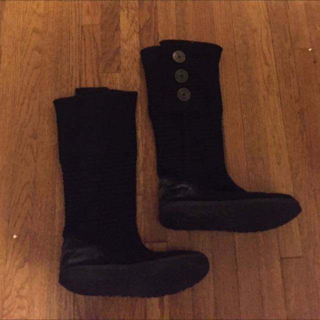 Ugg Boots Size 8.5 (salt stains)