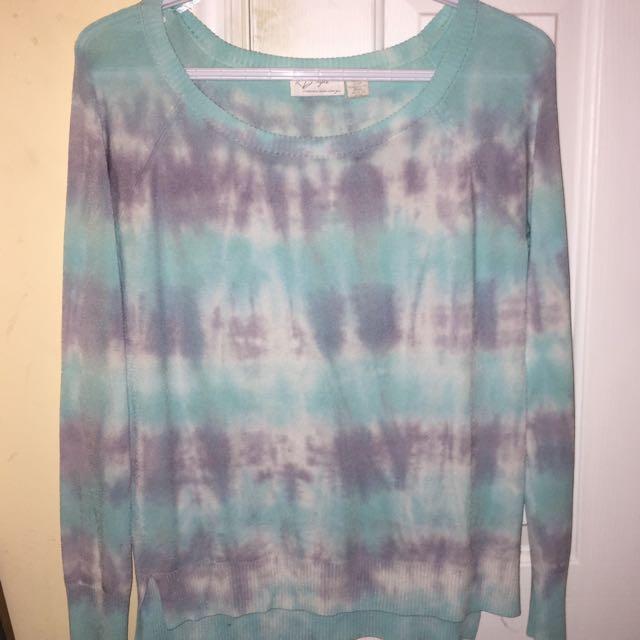 Woman's Tie Dye scoop neck shirt