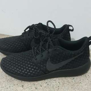 (Ori) Nike Roshe Two Flyknit 365 Triple Black