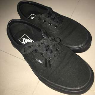 (近全新)vans authentic 全黑
