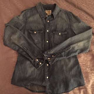 ARITZIA DENIM TOP SIZE MEDIUM
