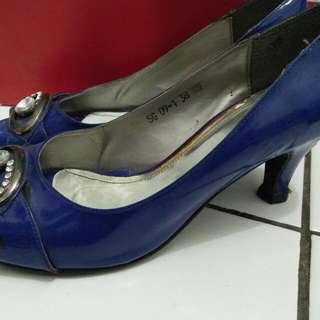 Blue Heels Merek Lawrensia Size 38