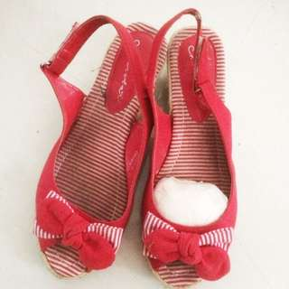 Wedges Red Merk Chocolate