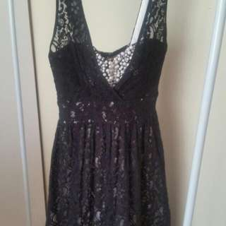 Gorgeous Sz 6 Black Lace With Cream Underlay