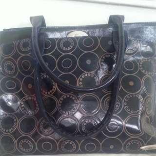 Arpera Leather Hand Bag