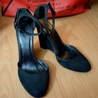 Black Wedge Heels_ Primadonna
