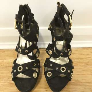 Preloved Black NOVO Shoes