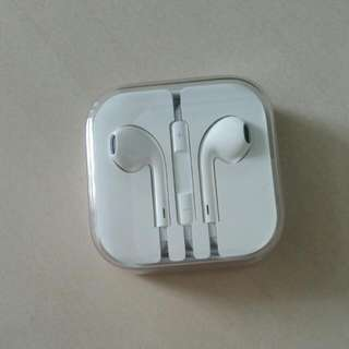Brand New In Pack Apple Earpod