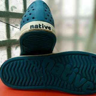 native  洞洞鞋