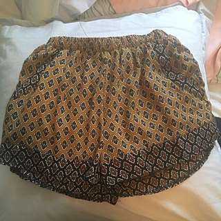 Valleygirl Mustard Patterned Shorts