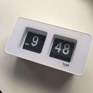 Typo Clock
