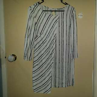 Size 8 White and Black Stripes Tunic