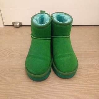 綠色 雪靴