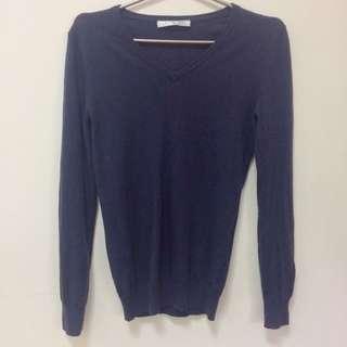 🚚 Giodano 藏青羊毛針織上衣