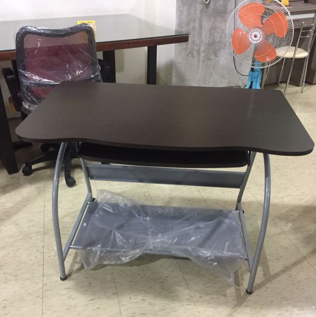 胡桃電腦桌