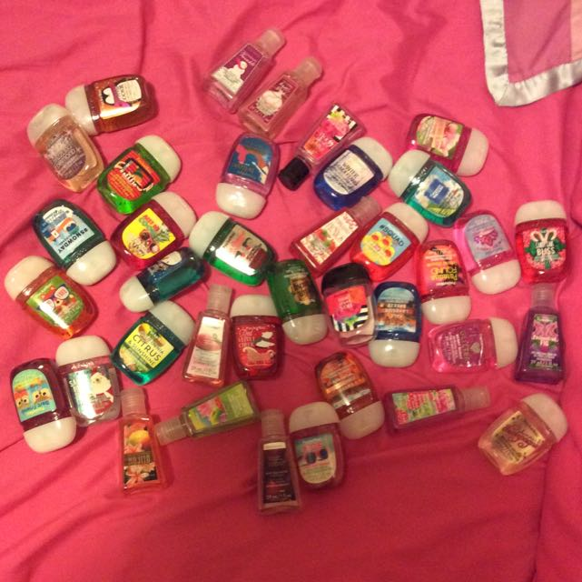 BATH AND BODY WORKS HAND SANTIZERS