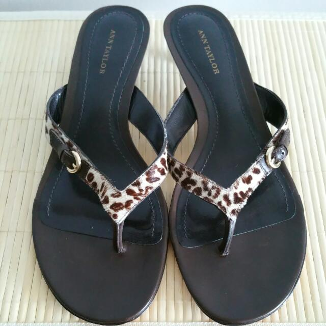 Brand New ANN TAYLOR pony Sandals sz. 40/ 8