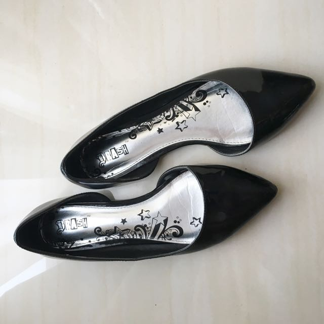 BRASH Pointed Flats in Patent Leather