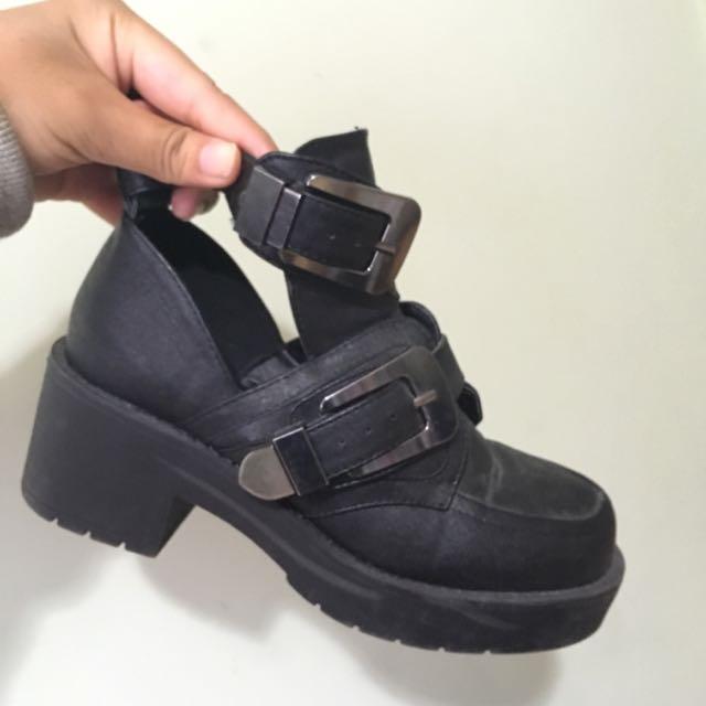 Lipstick Boots Size 5