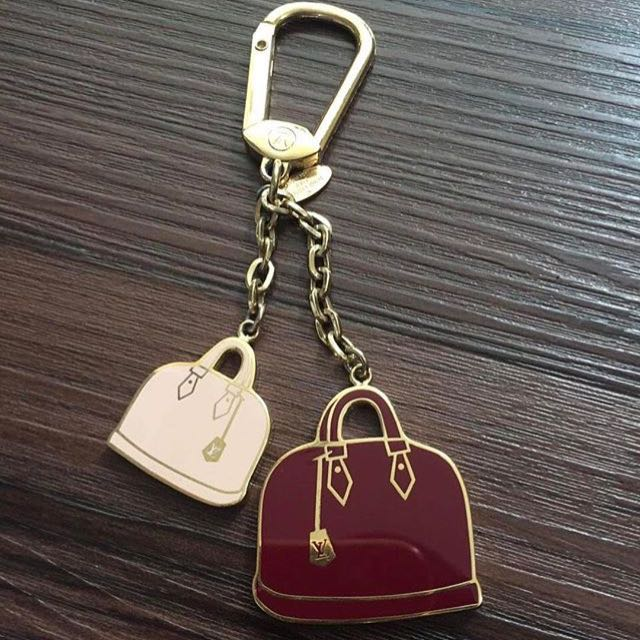 Lv keychan Authentic