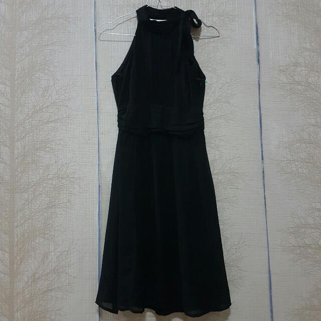 ON SALE !! MOST LITTLE HALTER NECK BLACK DRESS
