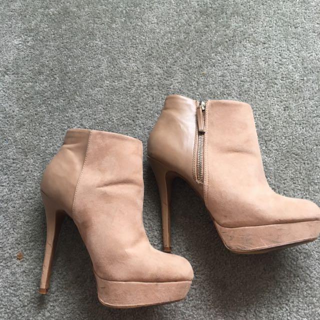 Nude/Tan Heeled Boots