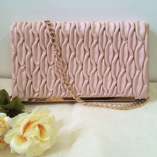 Pink Clutch Bag Atmosphere