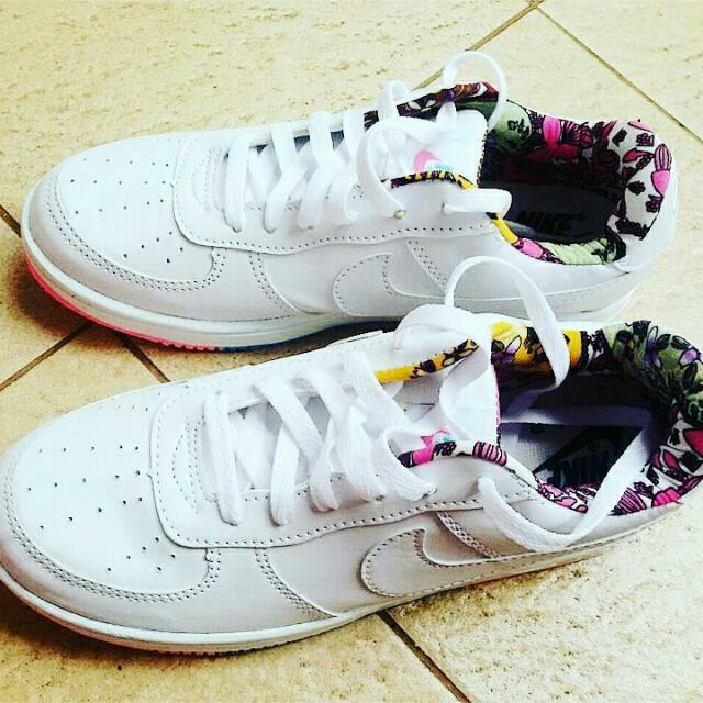 Sepatu Cewek Nike Airforce Putih