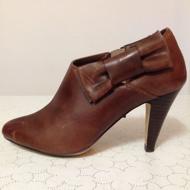 Size 6 Brown Ankle Boots
