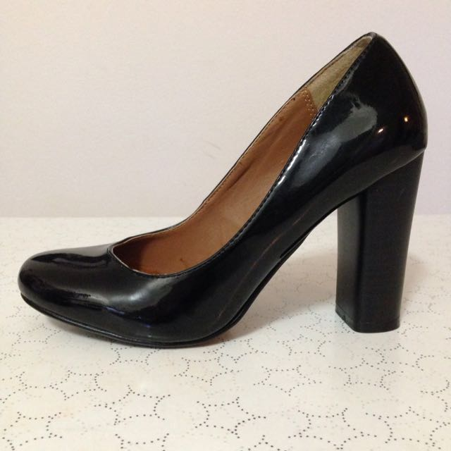 Size 6 Patent Leather Heels