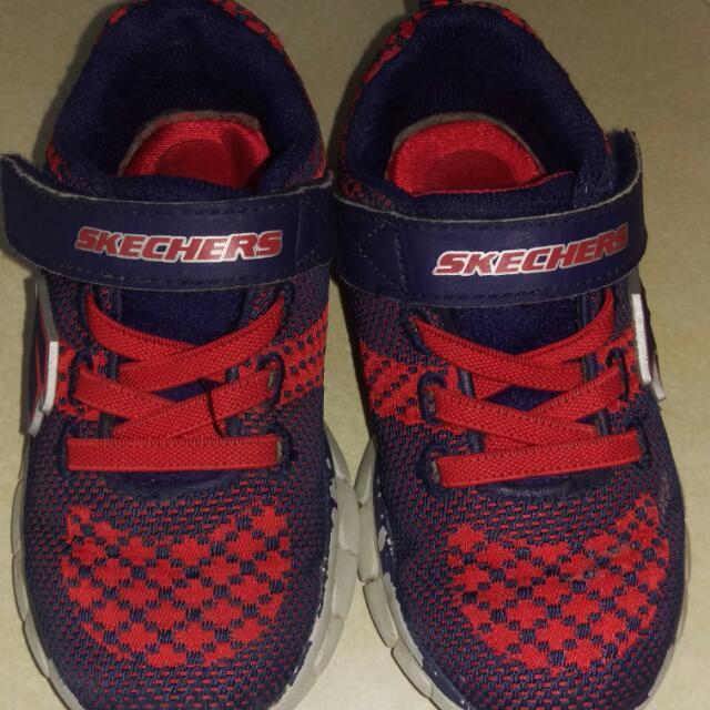Skechers Size 7.