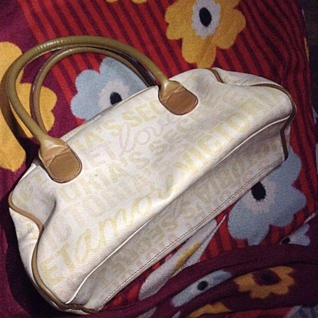 VS Hand bag