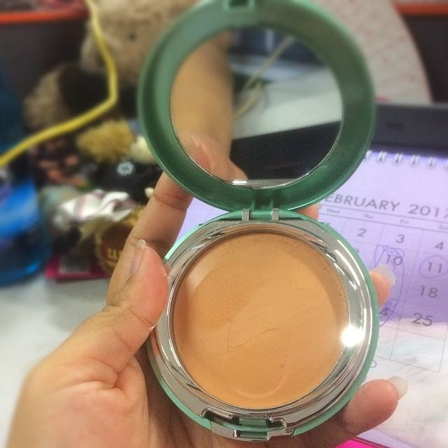 Wardah Exclusive Creamy Foundation