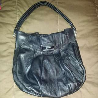 Black Guess (AUTHENTIC) Spacious Purse