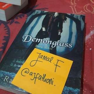 Demon Glass (Trilogi Hex Hall #2) by. Rachel Hawkins
