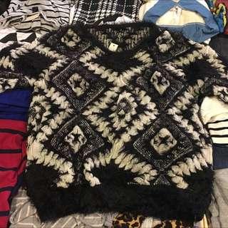 黑白幾何圖形毛衣