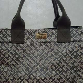 Tomy Hilfiger Authentic Hand Bag