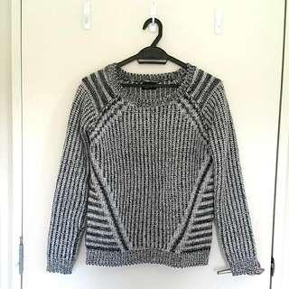 Black Knit Jumper/Sweater