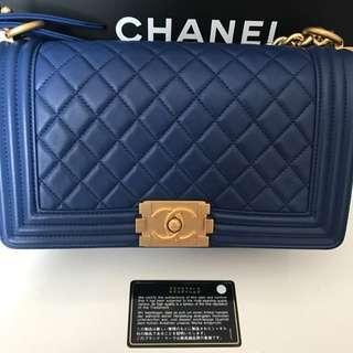 Chanel boy medium Size