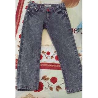 FREE: Ankle Cut Jean