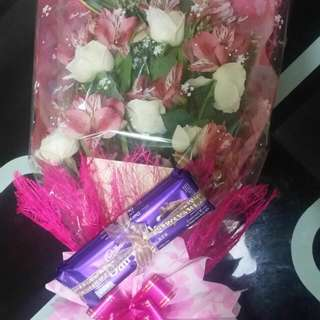 Flower Bouquet ( w imported chocolates)