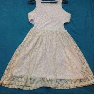 Dress Putih Brokat
