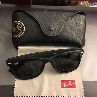 *Price Reduced* Authentic Rayban New Wayfarer Matte RB 2132