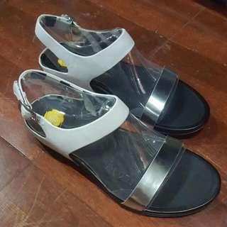 Brandnew! Fitflop Sandals Silver White Black
