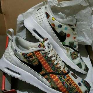 Nike Libetry Thea
