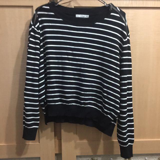 原價1490 Zara 條紋下開衩針織上衣