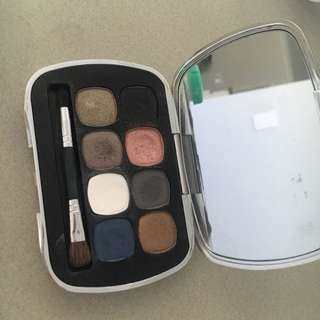 Bare Mineral Eyeshadow 8.0  The Finer Things