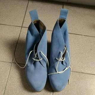 4吋高Dr. Martens 淺藍色👞