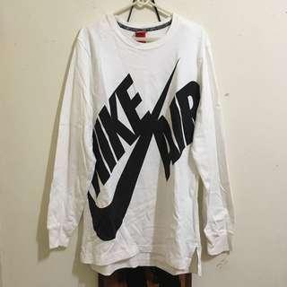 Nike大勾黑白長踢